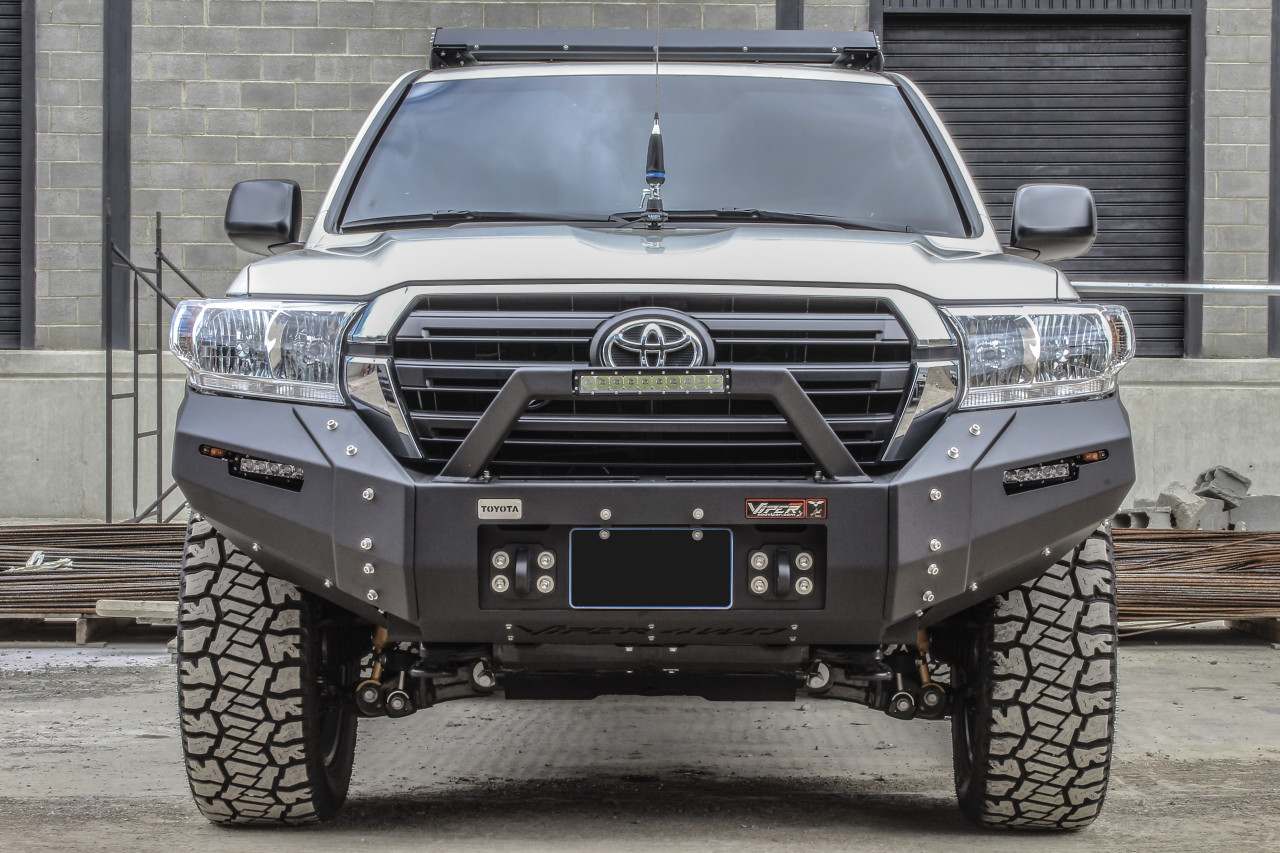 LAND CRUISER SERIES 200 2016 - CURRENT ULTIMA  FRONT BUMPER PD-161-SP6