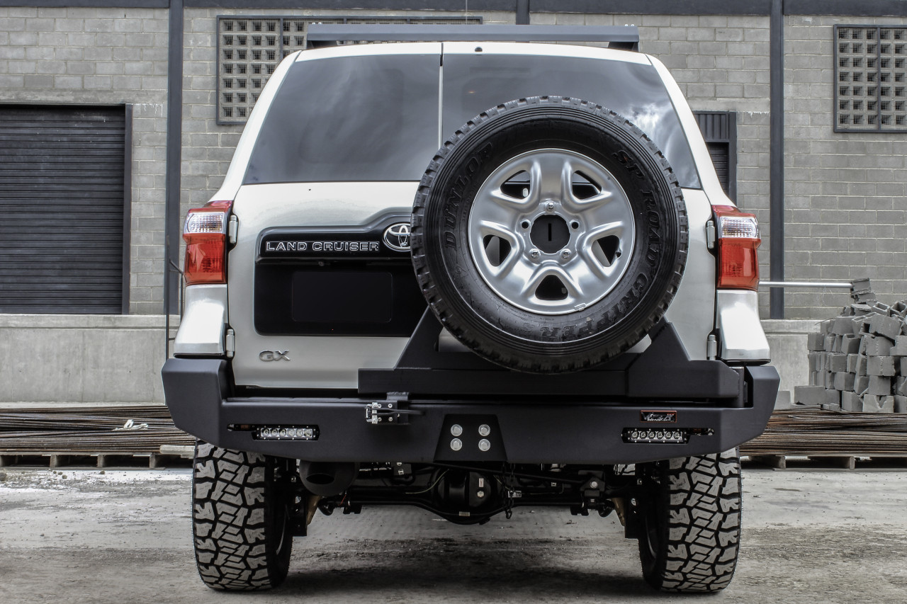 SERIES 200 2016-CURRENT REAR BUMPER WITH TIRE CARRIER PT-044-C
