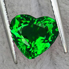 6.00 mm {1.03 cts} Heart AAA Fire AAA Emerald Green Tsavorite Garnet Natural{VVS}--AAA Grade