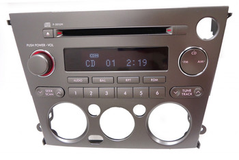 2005 2006 SUBARU Legacy Outback Radio Stereo Receiver CD Player for Manual Climate Control P-201UN