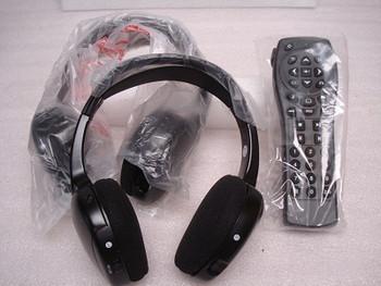03 - 06 GMC Envoy Chevy Tahoe DVD Remote Headphones