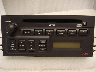 97 98 99 2000 01 02 Chevy GMC Sierra SUBURBAN Cadillac Escalade Tahoe Radio CD Player