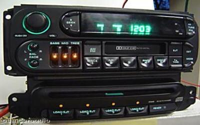 98-01 Chrysler Jeep Dodge CD Changer 4 Disc