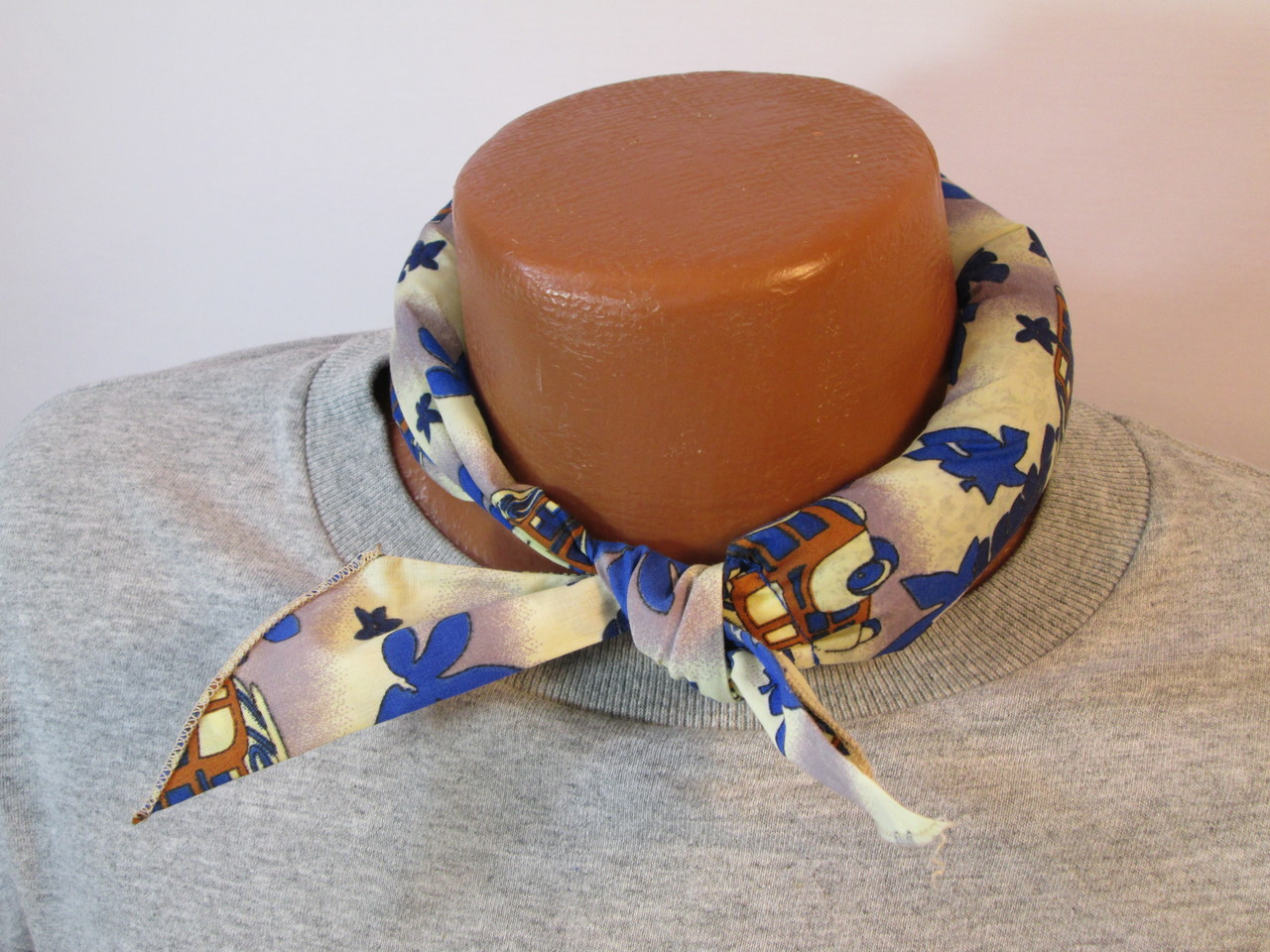 "Relief from heat stress with the ""Cali Beach print"" cooling tie"