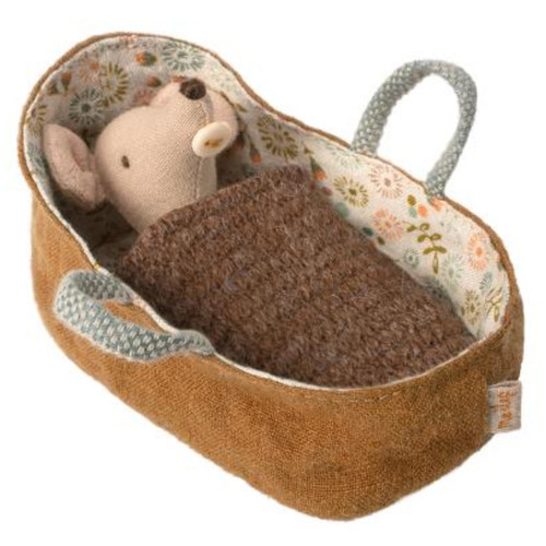 Baby Mouse in Carry Cot & Blankie