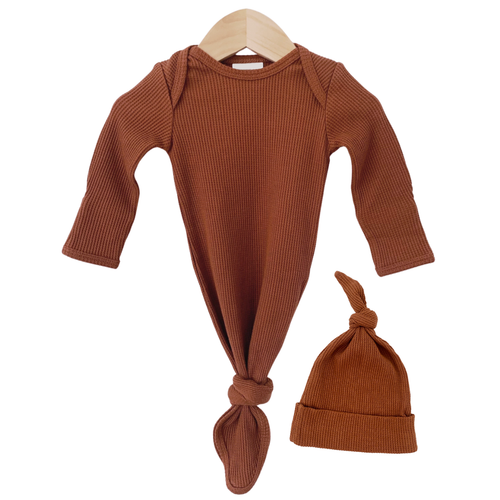 Organic Waffle Knotted Gown & Hat, Caramel