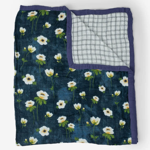 Deluxe XL Muslin Quilt, White Anemone