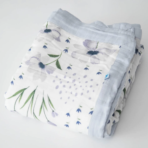 Deluxe XL Muslin Quilt, Blue Windflower