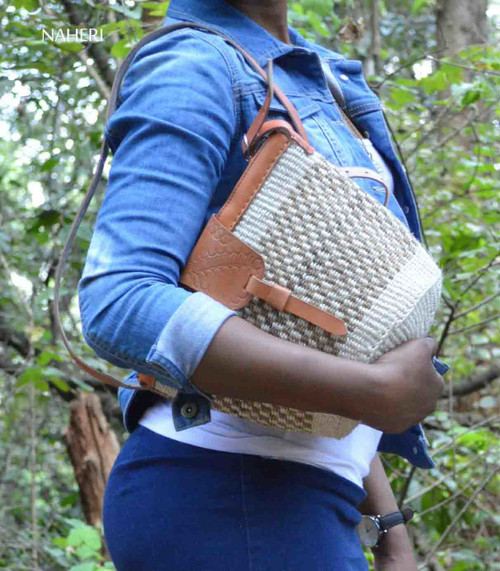 Natural handwoven sisal handbag crossbody