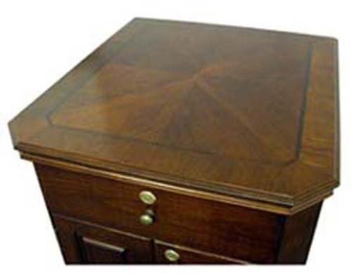 Montegue End Table Humidor - 600 Cigars