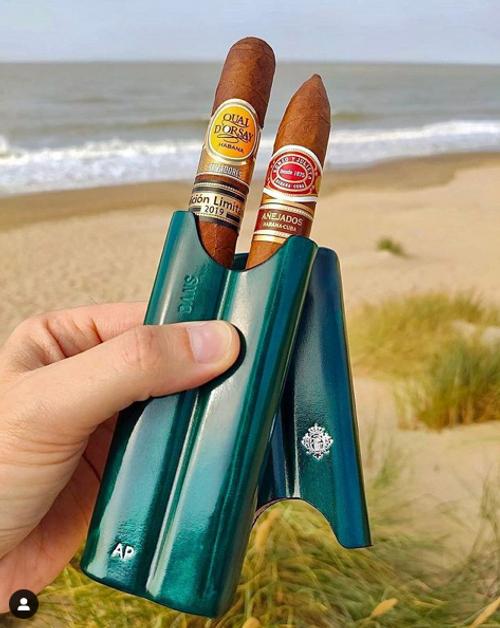 Artigiani Del Re Cuban Robusto Lounge Leather 2-Finger Cigar Case - Sky Contrall - Lifestyle