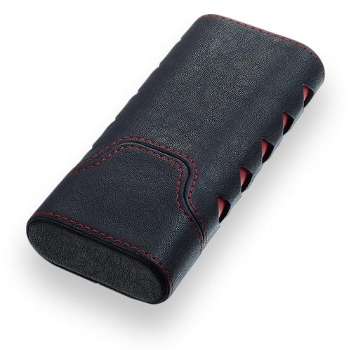 Visol Diamond Pu Leather 3-Finger Cigar Case  - Exterior Front Closed
