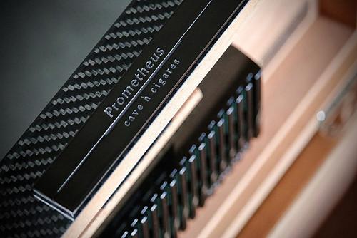 Prometheus Carbon Fiber 150 Cigar Humidor - Platinum Series humidifier