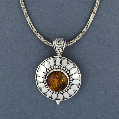 Arinna Amber Necklace