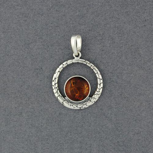 Amber in Detailed Circle Pendant