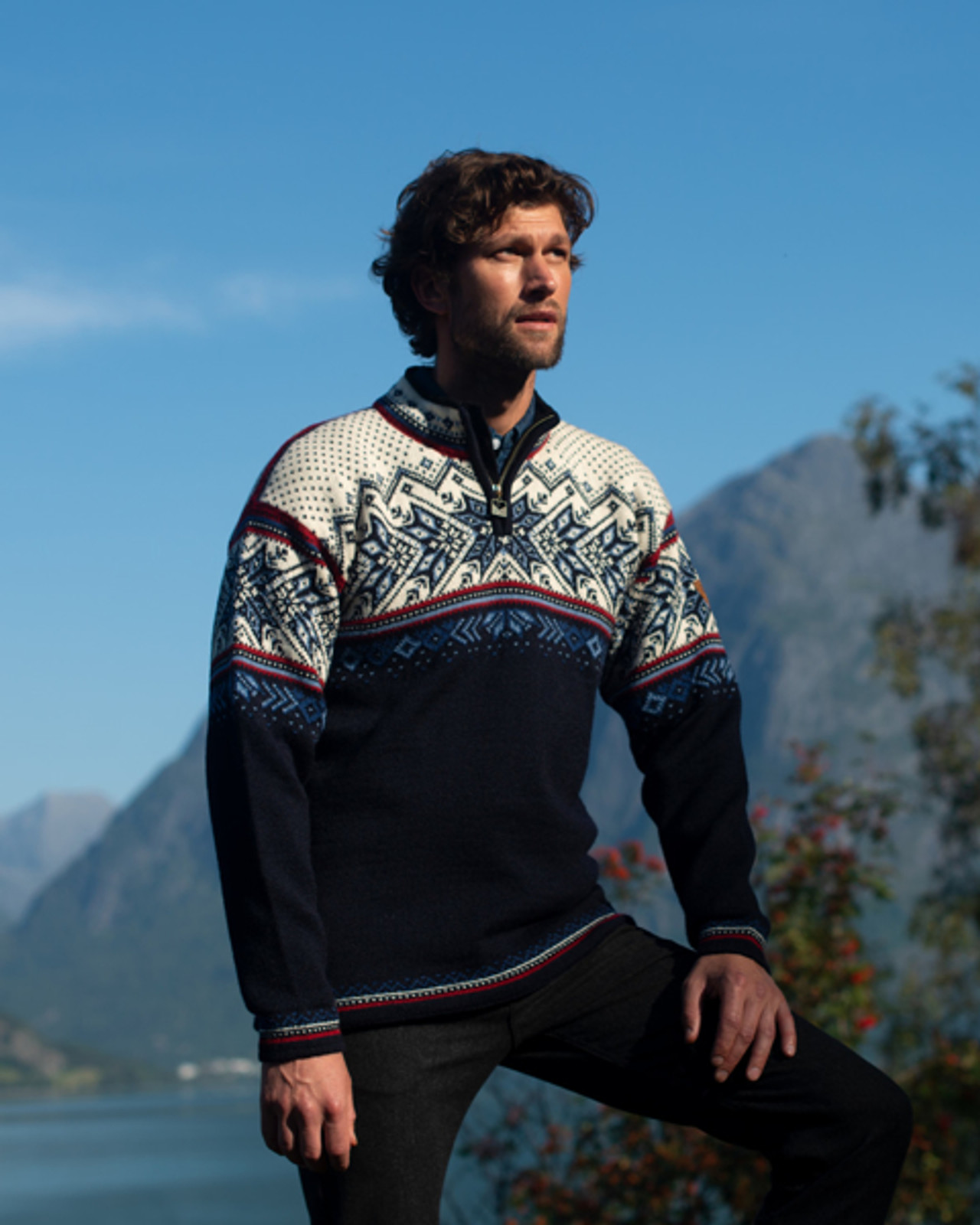 Dale of Norway, Vail sweater, unisex, in Midnight Navy/Red Rose/Off White/Indigo/China Blue, 90331-C