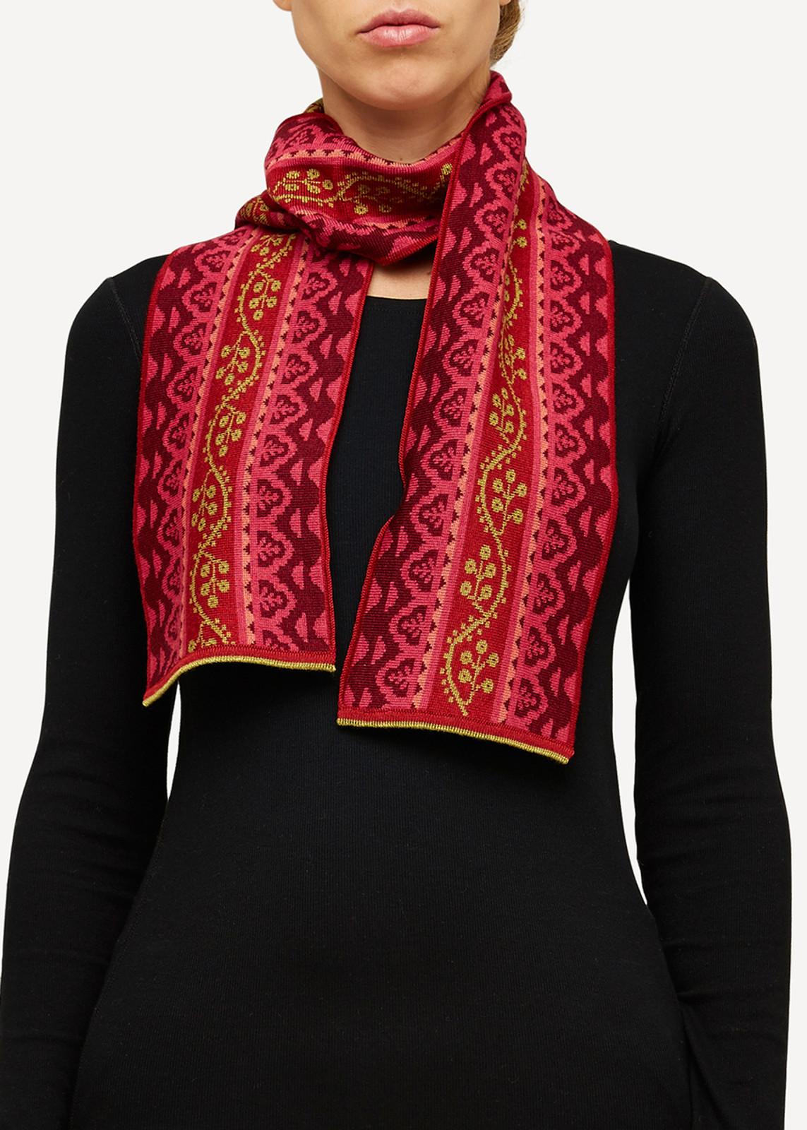 Oleana Scarf, 174R Red