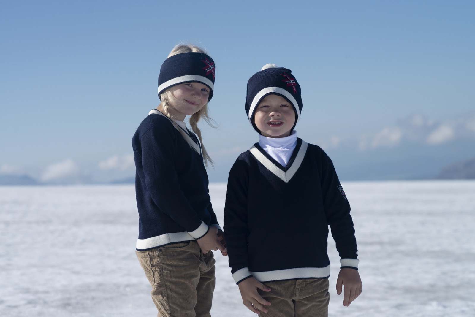 Children wearing Dale of Norway Morgedal Sweater, Childrens - Navy/Off White, 94031-C
