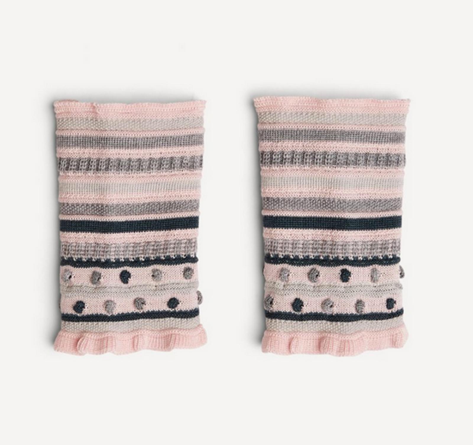 Amelia Oleana Popcorn and Stripe Wristlet, 347VD Pink/Grey