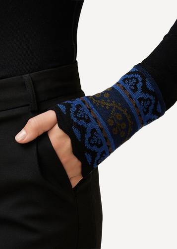 Kirsten Oleana Wristlet with Scalloped Edge, 171W Blue