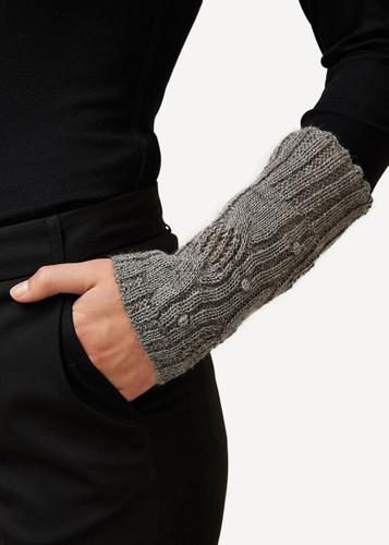 Oleana Wristlet, 422D Dark Grey