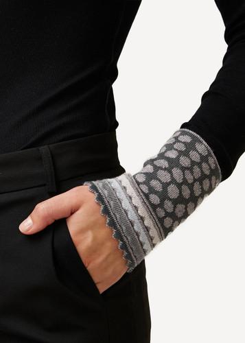 Oleana Wristlet Pebbles, 194D Grey