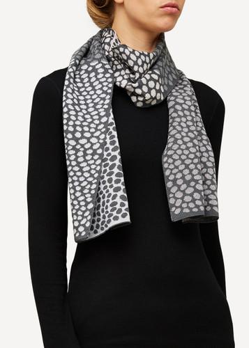Oleana Scarf, 193D Grey