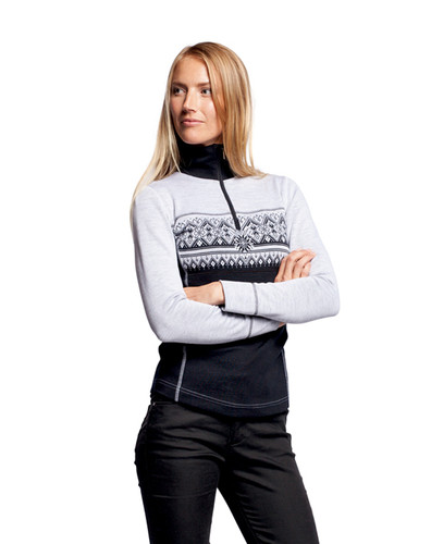Model wearing the Dale of Norway ladies Rondane Pullover in the Black/White Mel color pattern. Product number 92681-F.