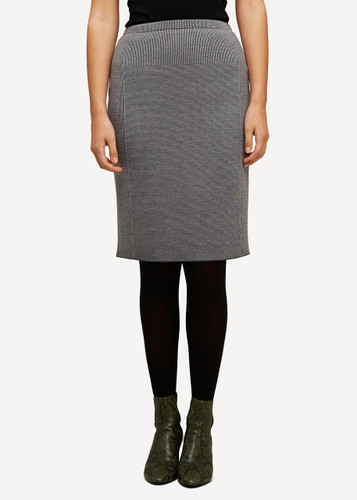 Ester Oleana Short Knitted Skirt, 321D Grey