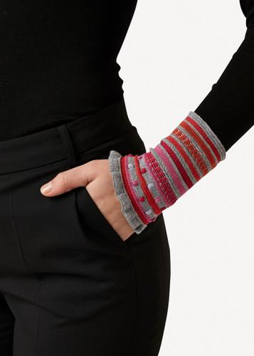 Amelia Oleana Popcorn and Stripe Wristlet, 347D Grey
