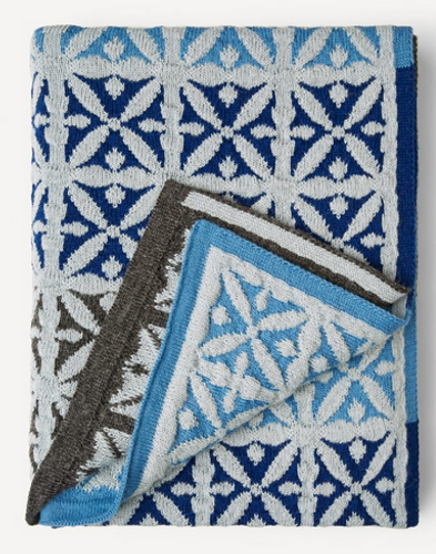 Agneta Oleana Knitted Blanket, 427FQ Blues