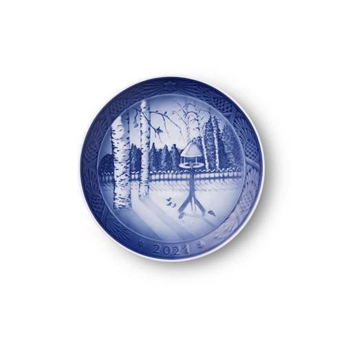 "Royal Copenhagen 2021 Christmas Plate Winter in the garden, 7"""
