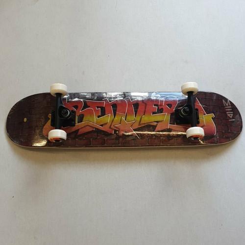 """Renner 7.75"""" Complete Skateboard - Graffiti"""