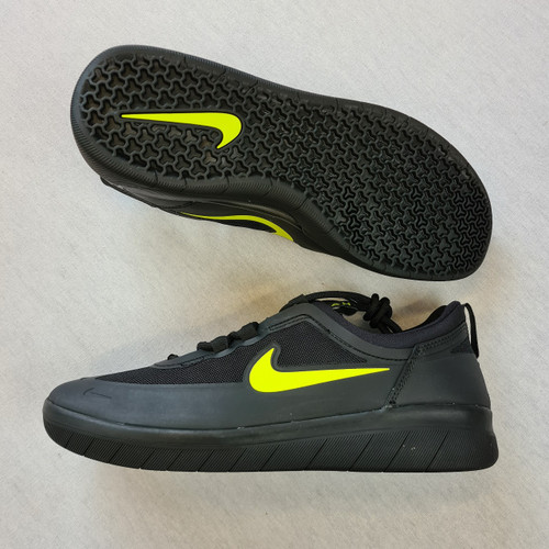 Nike SB Nyjah - Free 2 - Black/Yellow