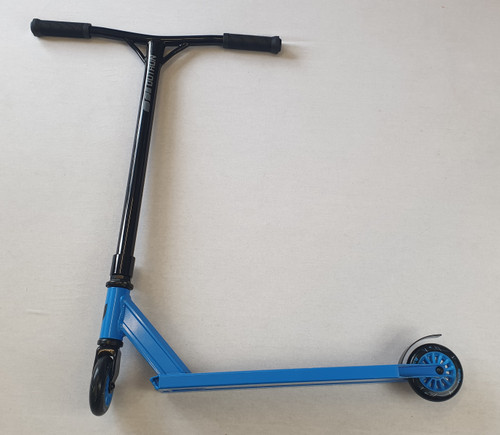 Blazer Pro Stunt Scooter - Black / Blue