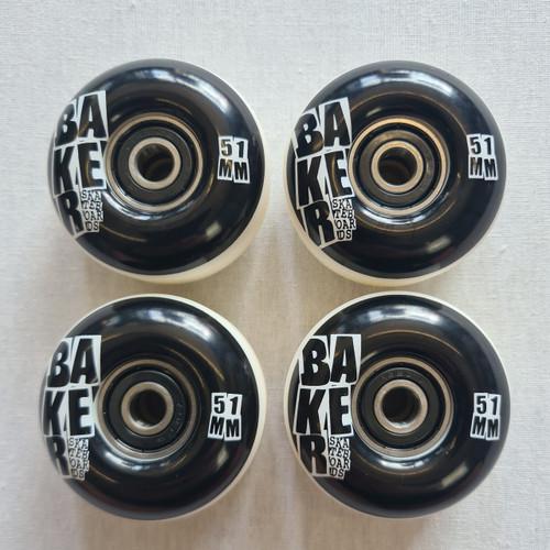 Baker Wheels 51mm and Abec 5 bearings - Black/White