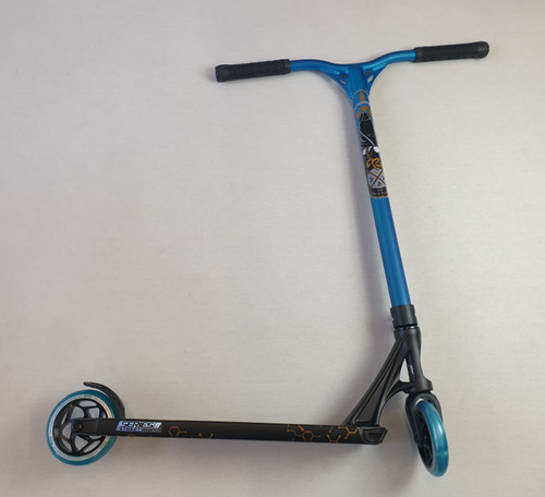 Custom Stunt Scooter -Blunt Envy - Reaper Bars Prodigy S8 Complete Scooter - Black / Blue