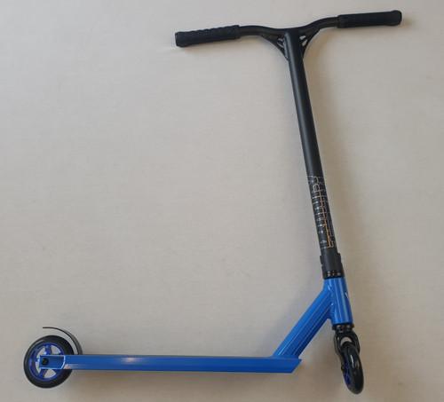 Custom Stunt Scooter - Blunt Envy / Blazer Pro - Prodigy S8 Reaper Bars - Black Blue