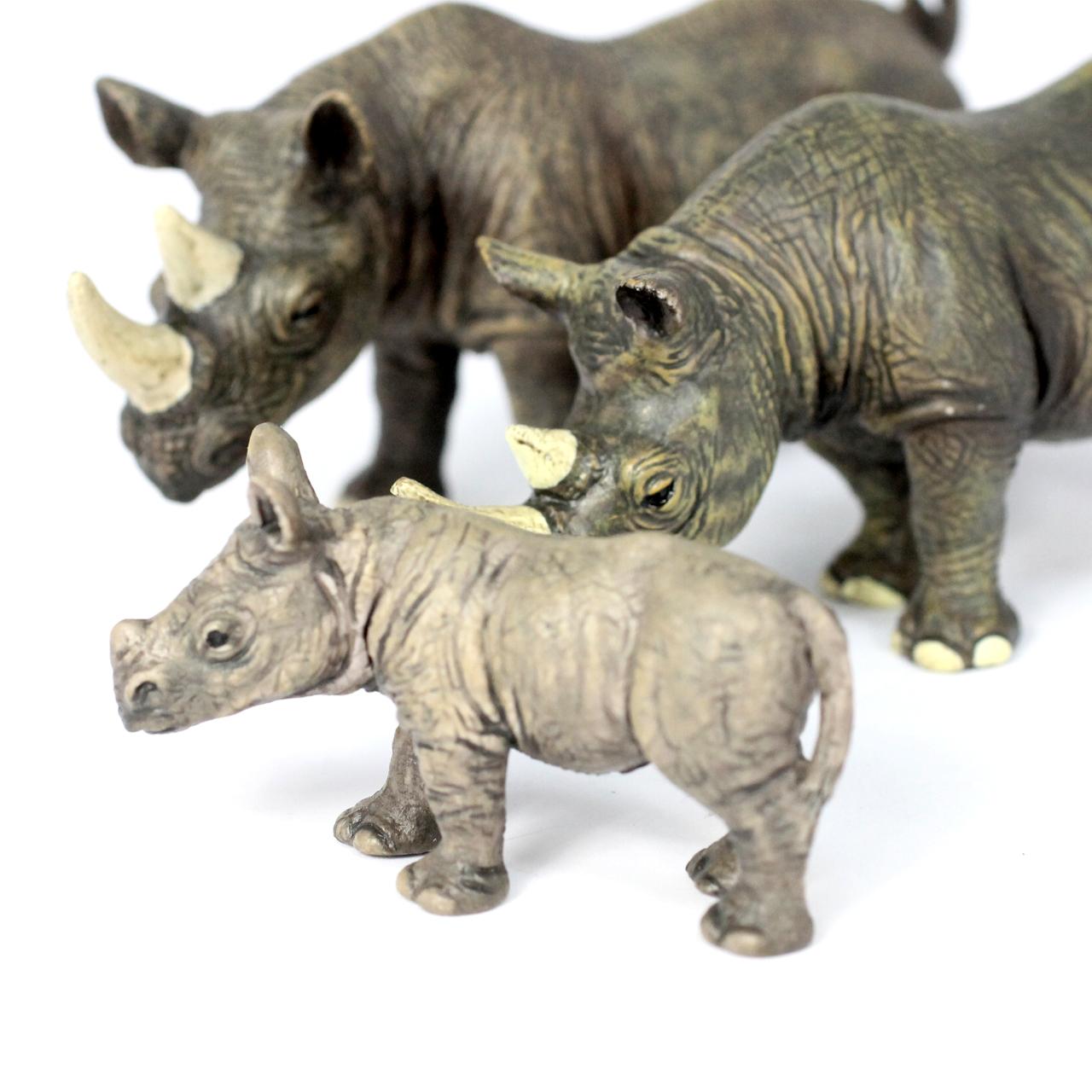 Small Safari Animal Family Bundle 32PC