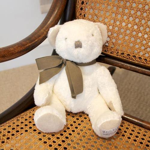 Edward the Teddy Maudnlil, Lifestyle