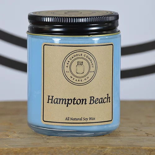 Hampton beach sweeps you away to the coast on fresh, aquatic winds. This well-rounded fragrance marries the notes of salty ozone with the aromas of fresh citrus. Then luscious honeydew melon blends with a trace of violet in the heart of this marine fragrance. Airy ozone and woody oakmoss in the base give depth to the aquatic notes for a result that's anything but ordinary.