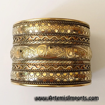 Belly Dance / Tribal | Embossed Brass Wrist Cuff, Gold Tone
