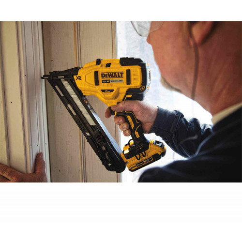 Dewalt Dcn650d1 20v Max Xr 15 Ga Angled Finish Nailer Kit