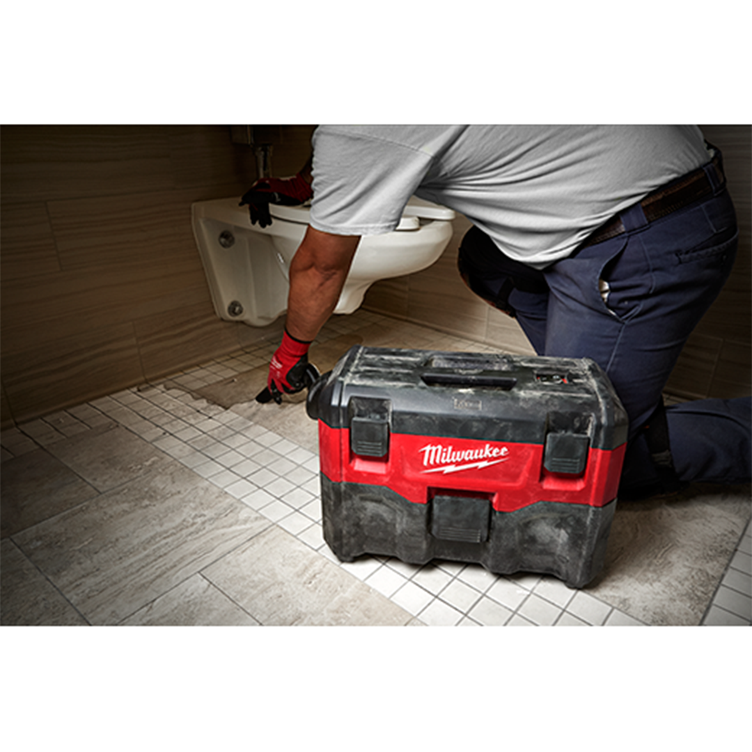 Milwaukee 0880-20  18V Wet/Dry Vacuum (uses M18, V18 lithium-ion or NiCd batteries)