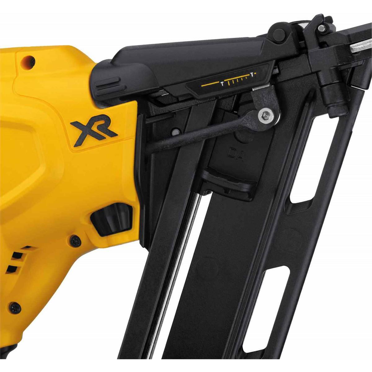 Dewalt DCN650D1  20V Max XR 15 Ga Angled Finish Nailer Kit with 2.0Ah Battery
