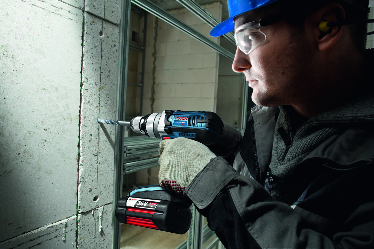 Bosch HDH361-01  36V Brute Tough 1/2 In. Hammer Drill/Driver Kit with 2x 4.0Ah Batteries