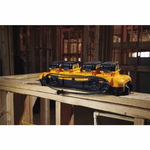 Dewalt DCB104  Multiport Simultaneous Fast Charger - 8 amps Output/Port