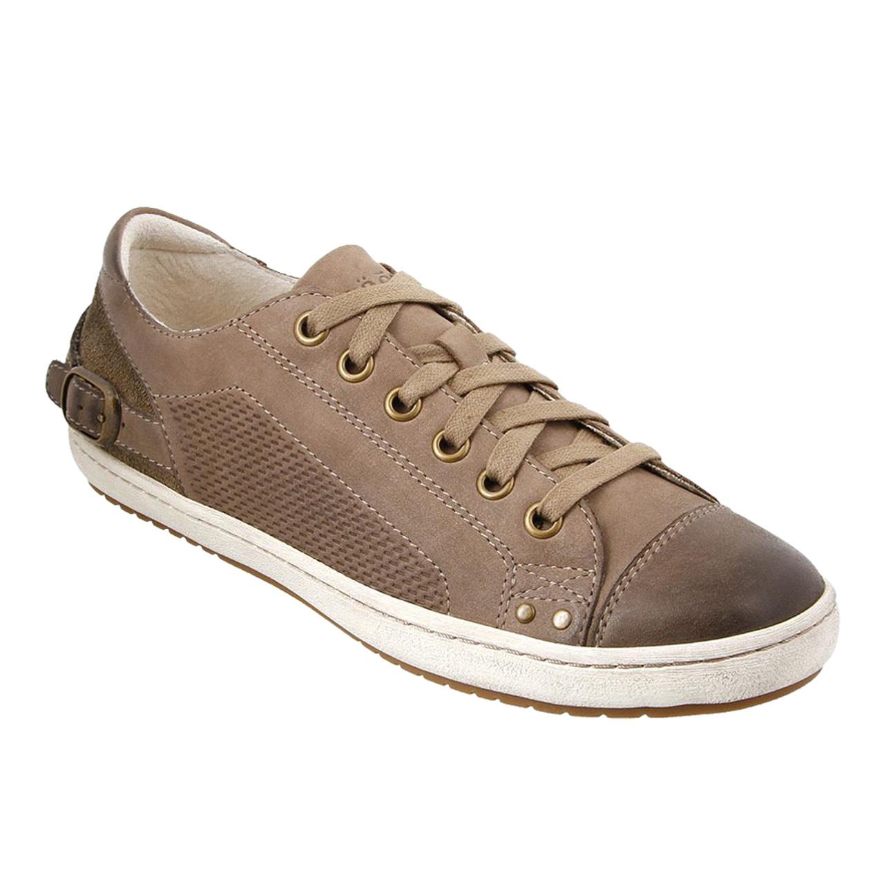 Taos Women's Capitol Sneaker - Brown