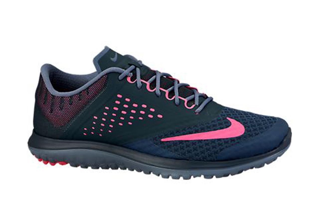 more photos 43330 1098d Nike Women's FS Lite Run 2 Running Shoe Classic Charcoal/Pink