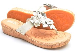 B77023 NEW Born KIMONA Metallic Brown Thongs Wedges Sandals Shoes Women/'s